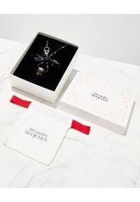 Alexander McQueen - ALEXANDER MCQUEEN - Naszyjnik z czaszką. Materiał: z mosiądzu. Kolor: czarny