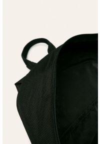 Czarny plecak Fila z nadrukiem