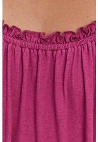 Superdry - Sukienka. Kolor: różowy. Materiał: dzianina. Długość rękawa: na ramiączkach. Wzór: gładki. Typ sukienki: rozkloszowane