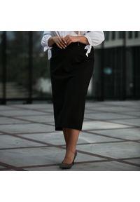 Czarna spódnica Moda Size Plus Iwanek na jesień, krótka