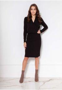 Lanti - Czarna Sukienka z Kopertowym Dekoltem. Kolor: czarny. Materiał: wiskoza, akryl. Typ sukienki: kopertowe