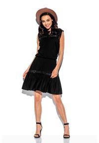 Lemoniade - Czarna Sukienka o Luźnym Kroju z Koronką. Kolor: czarny. Materiał: koronka. Wzór: koronka