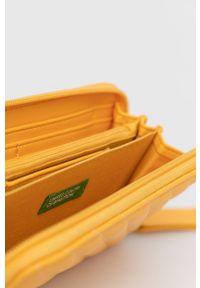 United Colors of Benetton - Portfel. Kolor: pomarańczowy. Materiał: materiał. Wzór: gładki