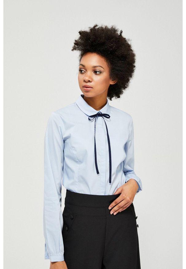 Niebieska koszula MOODO z długim rękawem, długa