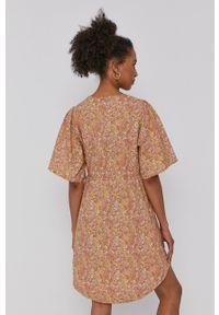 Y.A.S - Sukienka. Kolor: beżowy. Materiał: tkanina. Długość rękawa: krótki rękaw. Typ sukienki: rozkloszowane #4