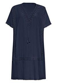 Sukienka tunikowa z koronką i wiązanym paskiem bonprix ciemnoniebieski. Kolor: niebieski. Materiał: koronka. Wzór: koronka