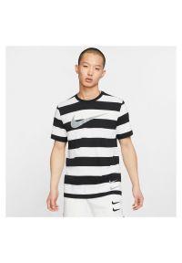 Koszulka męska Nike Sportswear Swoosh CQ5196. Materiał: materiał, bawełna. Wzór: paski