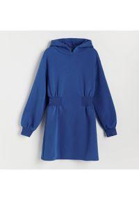 Reserved - Sukienka mini z kapturem - Niebieski. Typ kołnierza: kaptur. Kolor: niebieski. Długość: mini
