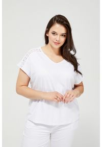 Biała bluzka MOODO krótka, z aplikacjami, z krótkim rękawem