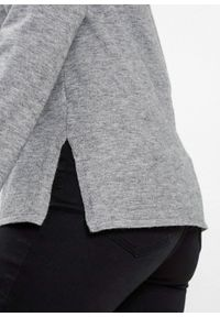 Szary sweter bonprix z nadrukiem