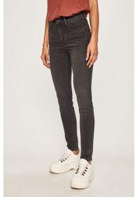 Szare jeansy Lee w kolorowe wzory