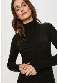 Answear Lab - Sweter. Typ kołnierza: golf. Kolor: czarny. Materiał: dzianina. Długość rękawa: długi rękaw. Długość: długie. Styl: wakacyjny