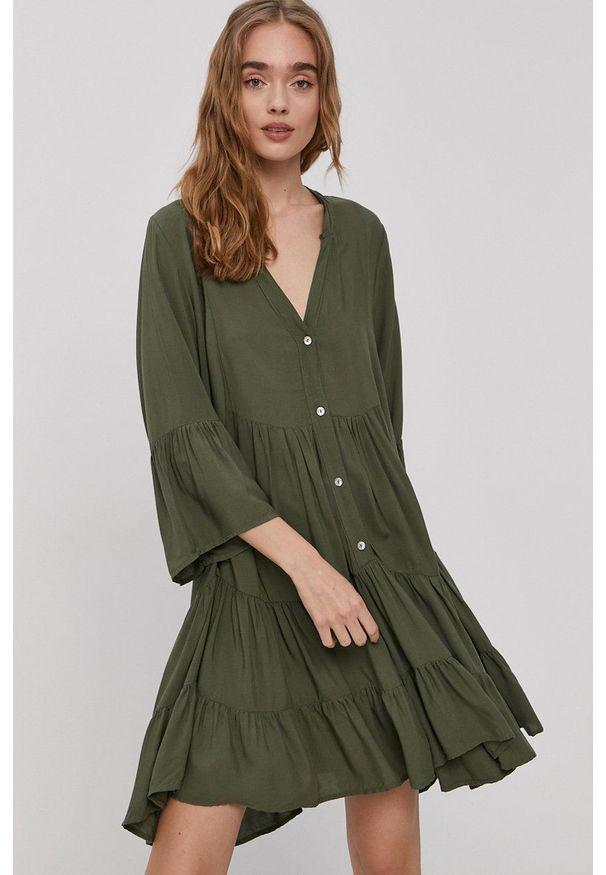 Haily's - Sukienka. Kolor: zielony. Materiał: tkanina. Wzór: gładki. Typ sukienki: rozkloszowane