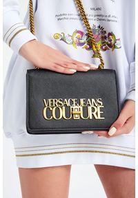 Torebka Versace Jeans Couture z tłoczeniem, z haftem, z aplikacjami