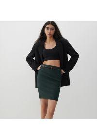 Reserved - Elegancka spódnica z paskiem - Khaki. Kolor: brązowy. Styl: elegancki