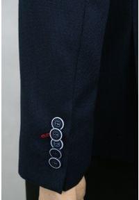 Granatowa Marynarka, Taliowana, 1 Guzik, 2 Rozcięcia - Casino, Męska. Kolor: niebieski. Materiał: wełna, poliester