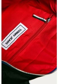 Czarna torba podróżna Tommy Jeans z nadrukiem