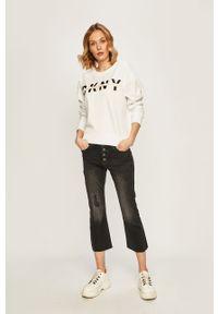 Biała bluza DKNY bez kaptura, z nadrukiem