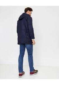 FAY - Granatowy płaszcz z kapturem. Typ kołnierza: kaptur. Kolor: niebieski. Materiał: tkanina