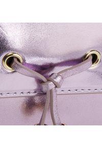 Fioletowa torebka Kazar z tłoczeniem