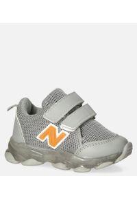 Casu - Szare buty sportowe na rzep casu 204/14m. Zapięcie: rzepy. Kolor: szary