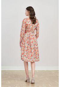 Marie Zélie - Sukienka Elina Alca brzoskwiniowa. Kolor: pomarańczowy. Materiał: bawełna, satyna, materiał. Typ sukienki: rozkloszowane. Styl: klasyczny