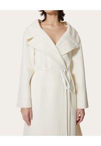 VALENTINO - Biały wełniany płaszcz Compact. Kolor: biały. Materiał: wełna