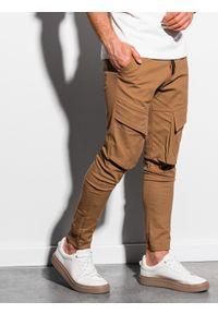 Ombre Clothing - Spodnie męskie joggery P999 - camel - XXL. Materiał: bawełna, elastan. Wzór: aplikacja