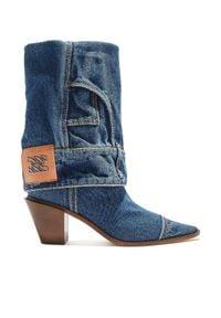Casadei - CASADEI - Denimowe kowbojki z zawijaną cholewką. Kolor: niebieski. Materiał: jeans, denim, materiał. Szerokość cholewki: normalna. Wzór: haft, aplikacja. Obcas: na obcasie. Wysokość obcasa: średni
