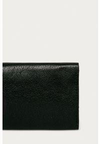 Tigha - Portfel skórzany Oliviero. Kolor: czarny. Materiał: skóra. Wzór: gładki