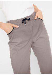 Spodnie 7/8 papertouch z bawełny z wygodnym paskiem bonprix beżowoszaro-czarny. Kolor: szary. Materiał: bawełna