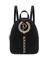 Pollini - POLLINI - Czarny plecak z logo. Kolor: czarny. Wzór: aplikacja