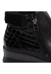 Czarne botki Comfortabel na średnim obcasie, na obcasie