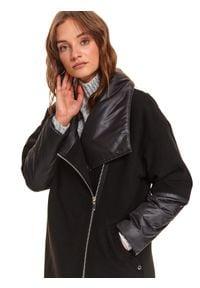 TOP SECRET - Komfortowy płaszcz z łączonych tkanin. Okazja: na co dzień. Typ kołnierza: kołnierzyk stójkowy. Kolor: czarny. Materiał: tkanina. Sezon: zima. Styl: casual #4