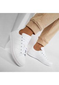 Adidas - Buty adidas - Stan Smith J FX7520 Ftwwht/Ftwwht/Ftwwht. Zapięcie: sznurówki. Kolor: biały. Materiał: skóra. Szerokość cholewki: normalna. Styl: młodzieżowy