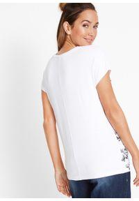 T-shirt z nadrukiem bonprix biały z nadrukiem. Kolor: biały. Wzór: nadruk