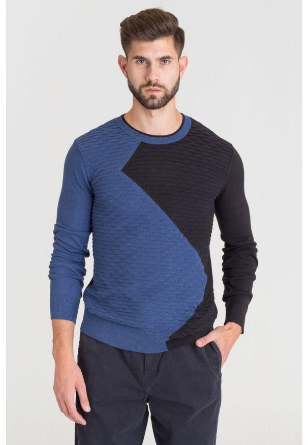 Sweter Armani Exchange z okrągłym kołnierzem, w geometryczne wzory