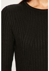 Czarny sweter only z okrągłym kołnierzem