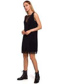 MOE - Czarna Elegancka Luźna Sukienka z Koronką. Kolor: czarny. Materiał: koronka. Wzór: koronka. Styl: elegancki