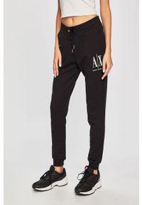 Czarne spodnie dresowe Armani Exchange z nadrukiem