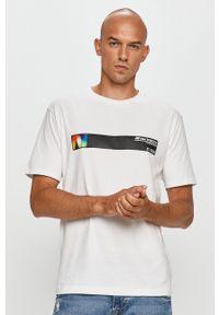 New Balance - T-shirt. Okazja: na co dzień. Kolor: biały. Materiał: dzianina. Wzór: nadruk. Styl: casual