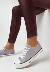 Born2be - Szare Trampki Qinevera. Okazja: na spacer, na randkę. Wysokość cholewki: przed kostkę. Nosek buta: okrągły. Kolor: szary. Materiał: jeans, materiał, guma. Szerokość cholewki: normalna. Obcas: na płaskiej podeszwie