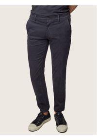 BOSS - Boss Chinosy Schino 50379152 Granatowy Slim Fit. Kolor: niebieski. Materiał: elastan, materiał, bawełna
