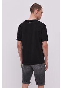 Karl Lagerfeld - T-shirt. Okazja: na co dzień. Kolor: czarny. Materiał: bawełna. Wzór: aplikacja. Styl: casual