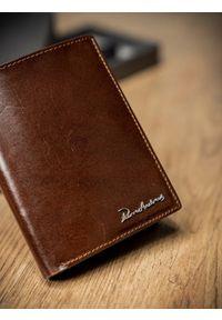 Brązowy portfel PIERRE ANDREUS w kolorowe wzory