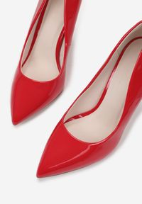Born2be - Czerwone Szpilki Melona. Nosek buta: szpiczasty. Kolor: czerwony. Materiał: lakier. Szerokość cholewki: normalna. Obcas: na szpilce. Wysokość obcasa: wysoki