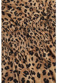 mango - Mango - Sukienka Moss1. Kolor: brązowy. Materiał: tkanina. Długość rękawa: długi rękaw. Typ sukienki: rozkloszowane