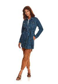 TOP SECRET - Jeansowa długa kurtka z wiązaniem. Kolor: niebieski. Materiał: jeans. Długość rękawa: długi rękaw. Długość: długie. Sezon: jesień