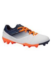 KIPSTA - Korki piłkarskie dla dzieci Kipsta Agility 500 AG na rzep. Nosek buta: okrągły. Zapięcie: rzepy. Materiał: syntetyk. Szerokość cholewki: normalna. Sport: piłka nożna