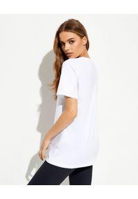 LA MANIA - Biały t-shirt z czarnym nadrukiem. Kolor: biały. Materiał: elastan, bawełna. Wzór: nadruk. Styl: klasyczny